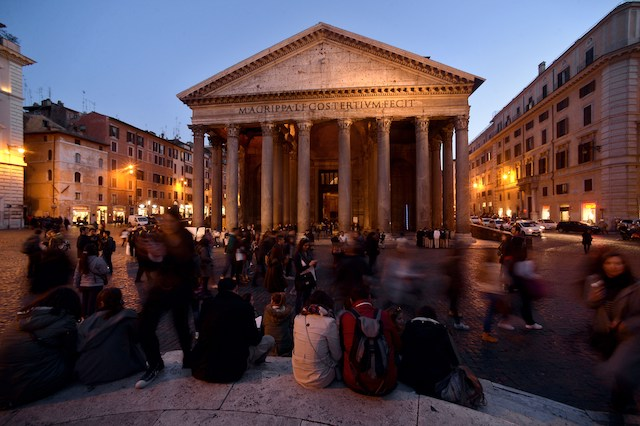 ITALY-CULTURE-ROME-PANTHEON-TOURIST