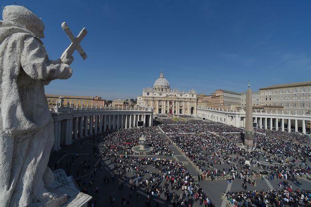 VATICAN-POPE-MASS-EASTER