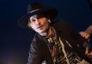Johnny Depp si è scusato per aver fatto una battuta infelice su Donald Trump al festival di Glastonbury