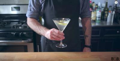 Come si fanno sei famosi cocktail dei film