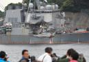 Sulla portacontainer che si è scontrata con la nave da guerra statunitense dormivano tutti?