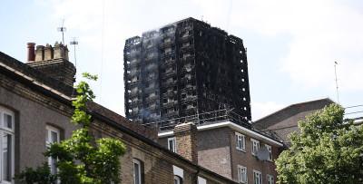 Il grande incendio in un palazzo a Londra
