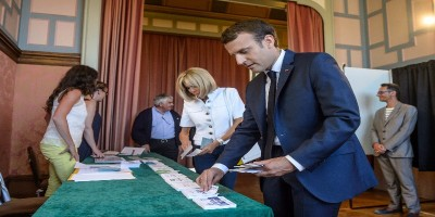 In Francia il partito di Macron ha stravinto al primo turno
