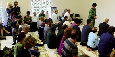 A Berlino ha aperto una moschea dove donne e uomini possono pregare insieme