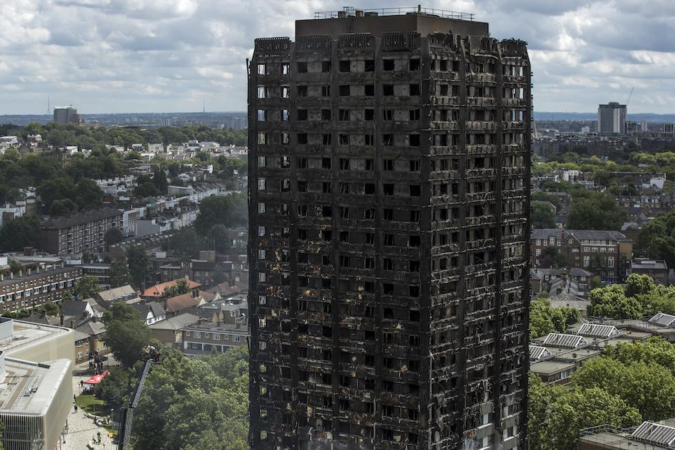 30 Di Sono Nell'incendio Almeno Ci Londra Morti MzpqSVU
