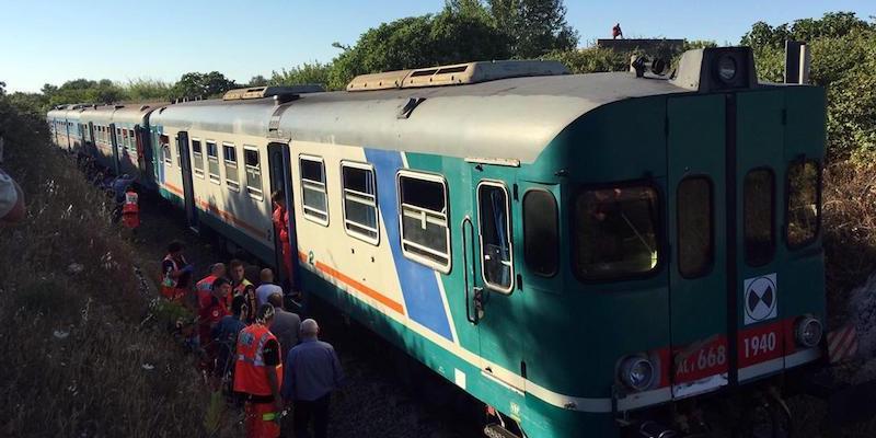 Ennesimo scontro tra treni in Puglia, 10 feriti