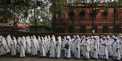 Il sari bianco e blu di Madre Teresa è protetto da copyright