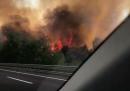 Un tratto di autostrada A1 a nord di Roma è stato chiuso per un incendio