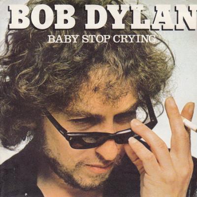La vuoi smettere di piangere? Mi stai facendo a pezzi.