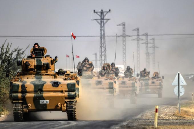 TOPSHOT-TURKEY-SYRIA-UNREST-IS