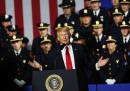Donald Trump ha detto che i poliziotti non dovrebbero essere «troppo gentili» con i sospettati