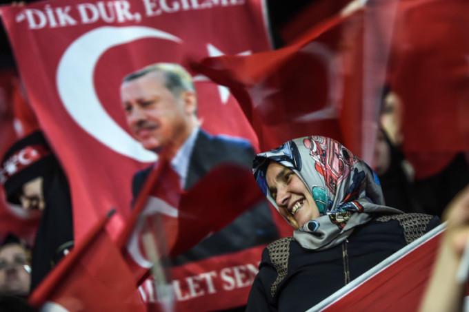TOPSHOT-TURKEY-POLITICS-VOTE-DEMO