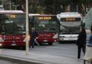Lo sciopero dei mezzi pubblici di oggi, giovedì 6 luglio: i servizi garantiti, gli orari e le altre cose da sapere