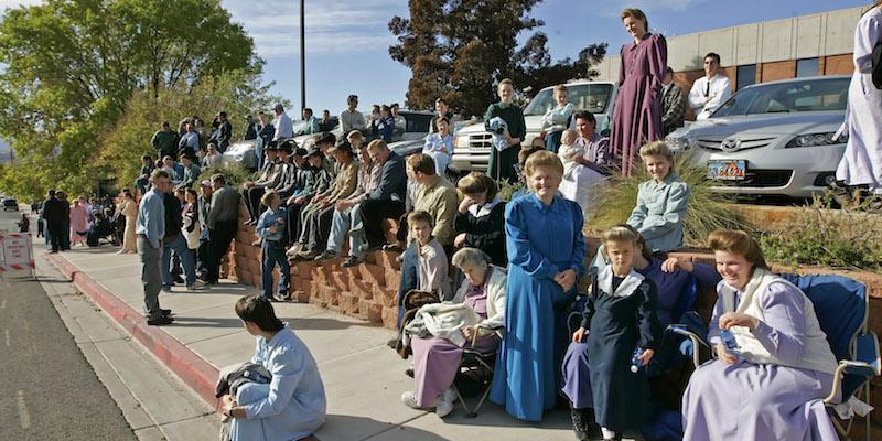 Cosa è successo a una comunità religiosa americana che pratica la poligamia da cent'anni - Il Post