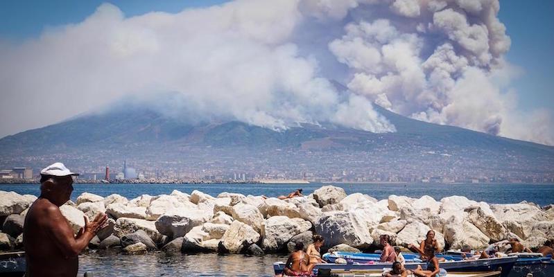 Le Foto Del Grande Incendio Sul Vesuvio Il Post