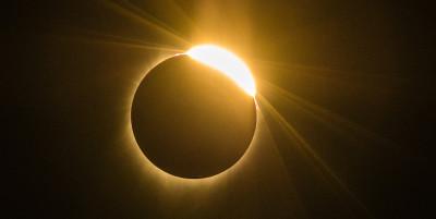 Le foto dell'eclissi solare totale