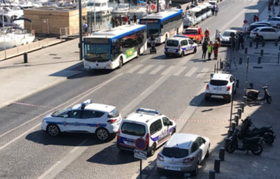 Francia, auto contro pensiline bus a Marsiglia, un morto, arrestato guidatore