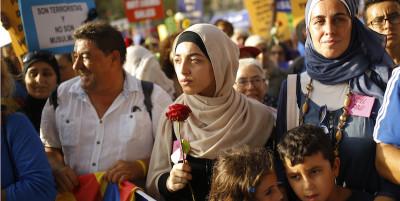 Le foto della manifestazione contro il terrorismo a Barcellona