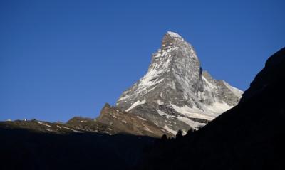 Morto uno dei tre alpinisti bloccati da due giorni sul Cervino