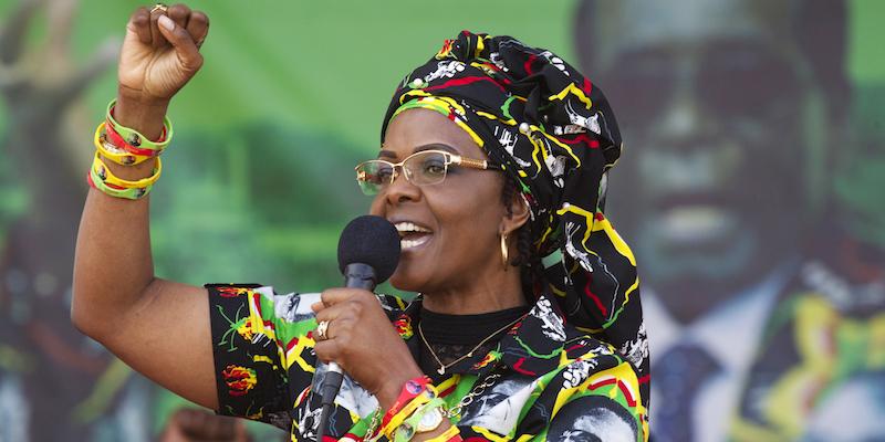 Moglie di Mugabe manesca