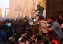 Questa mattina a Bologna la polizia ha sgomberato il centro sociale Làbas, in via Orfeo