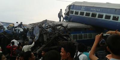 In India almeno 23 persone sono morte in un incidente ferroviario