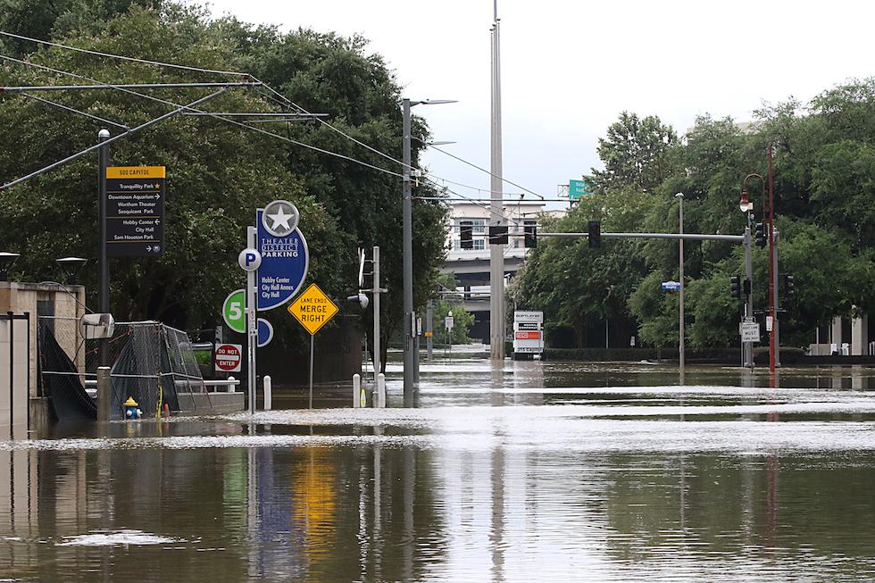 Le foto di houston e del texas dopo l 39 uragano harvey il post for La strada motors houston tx