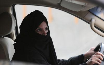 L'Arabia Saudita ha chiesto alle attiviste contro il divieto di guida per le donne di non commentarne l'abolizione