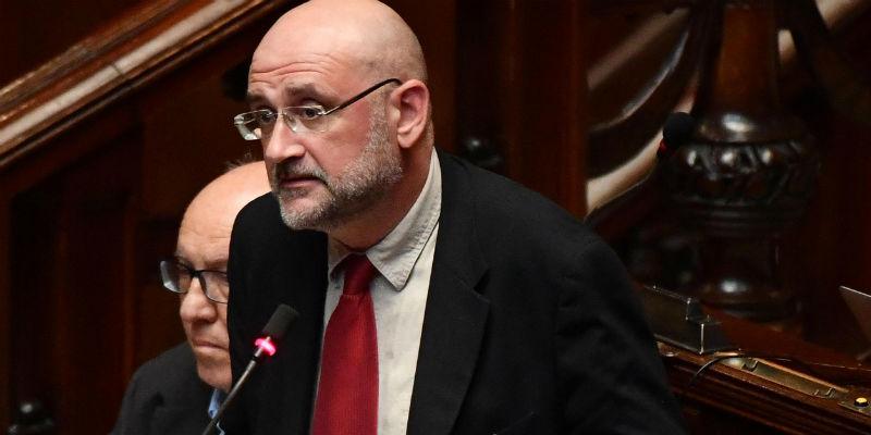 Cannabis, Farina si dimette da relatore