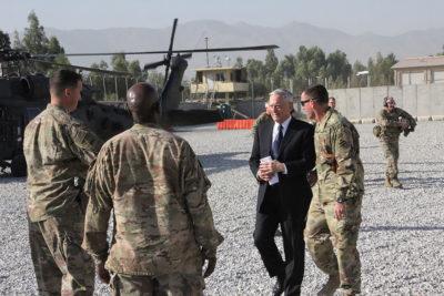 Afghanistan, razzo cade vicino aeroporto Kabul dopo arrivo Mattis