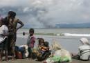 Il governo birmano sta bruciando le case dei rohingya per costringerli a scappare?