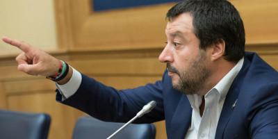 Anche Matteo Salvini teme che dietro i vaccini ci sia un complotto