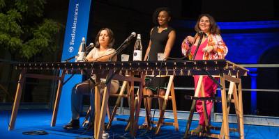 Femminista, africana, scrittrice, e di passaggio in Italia