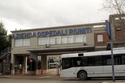 Il principale sospettato per l'attacco di questa mattina a una ragazza di 15 anni a Ischitella, in provincia di Foggia, è stato trovato morto