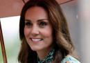 Il tabloid francese Closer è stato condannato a pagare 100mila euro per aver pubblicato le foto di Kate Middleton in topless