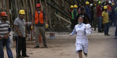 """""""Frida Sofia"""", la bambina intrappolata tra le macerie in Messico, non esiste"""