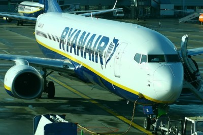 Ryanair ha cambiato le regole per il bagaglio a mano