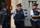 La polizia spagnola ha arrestato 14 persone legate al governo della Catalogna