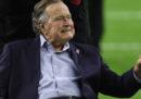 L'ex presidente degli Stati Uniti George H.W. Bush si è scusato per aver toccato il sedere a un'attrice