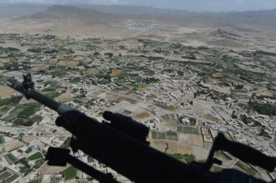 Afghanistan, due autobomba contro la polizia: