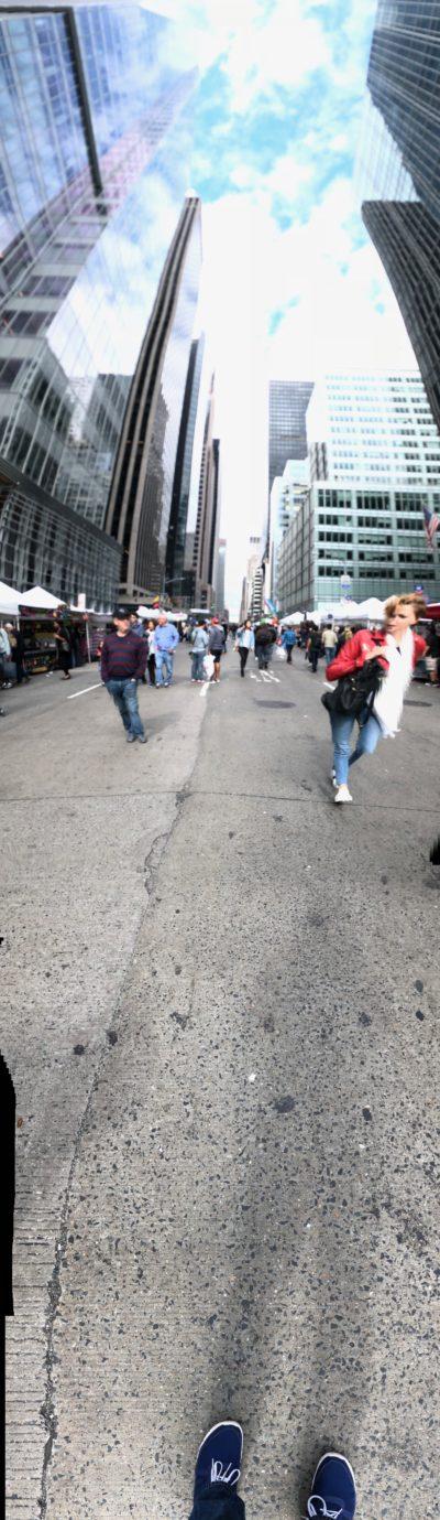 Panorama verticale della Sesta Strada fotografato con iPhone 8