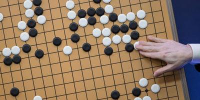 AlphaGo non ha più bisogno di noi per batterci