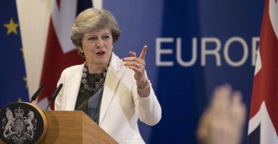 Accordo Ue sulla Brexit, ora inizia la seconda fase