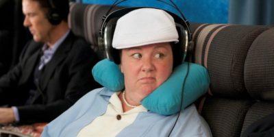Contro i cuscini a forma di U per dormire in aereo