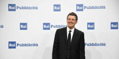 """Il conduttore tv Fabrizio Frizzi, che aveva avuto un problema di salute a fine ottobre, tornerà al programma """"L'Eredità"""" dal 15 dicembre"""