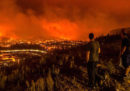 Le foto dei grandi incendi in Portogallo e Spagna