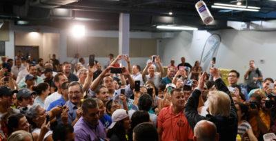 Lo spettacolino di Trump a Porto Rico