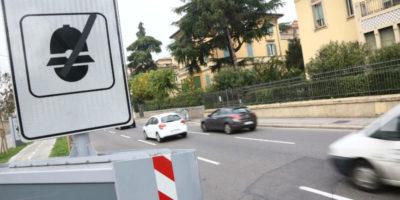 Perché in Italia gli autovelox sono segnalati?