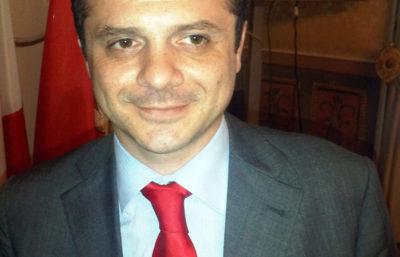 Il neodeputato regionale siciliano Cateno De Luca è stato arrestato per evasione fiscale