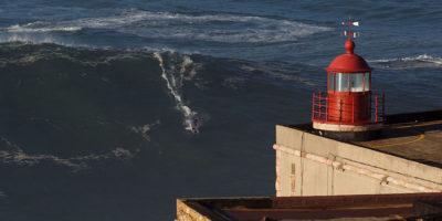 I surfisti che contano vanno tutti in Portogallo